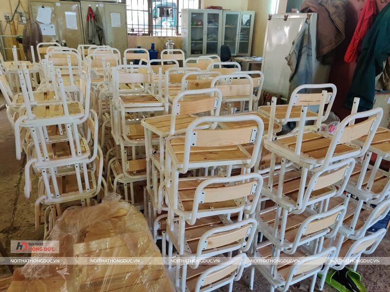 Kho bàn ghế học sinh số lượng lớn
